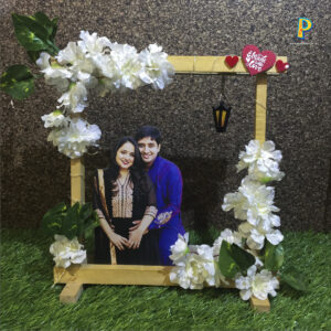 PHOTO CUT OUT WIT FLOWER WOOD STAND